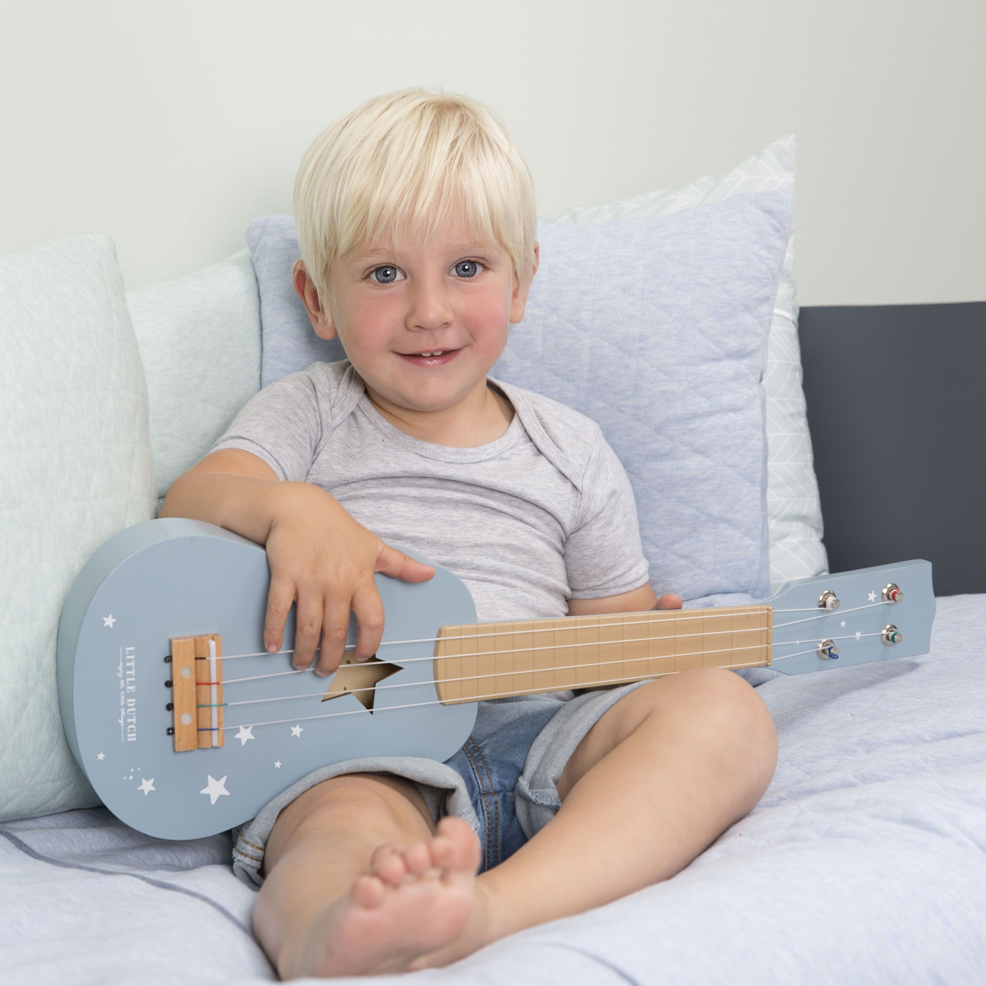 little dutch guitar blue 4409